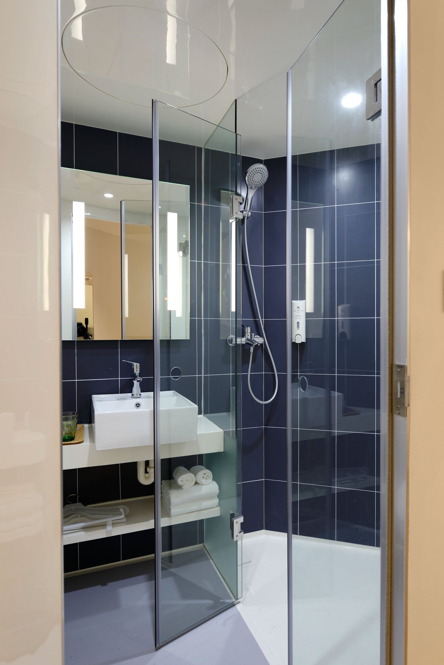 Shower Door Cleaning Toronto