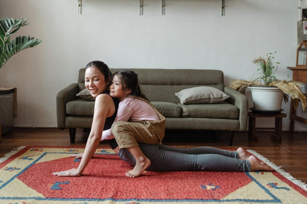 Oakville Yoga family with clean carpet